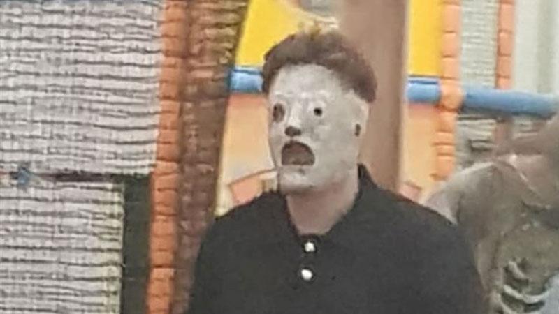 Parque de diversões é forçado a pedir desculpas por funcionário usando máscara do Slipknot
