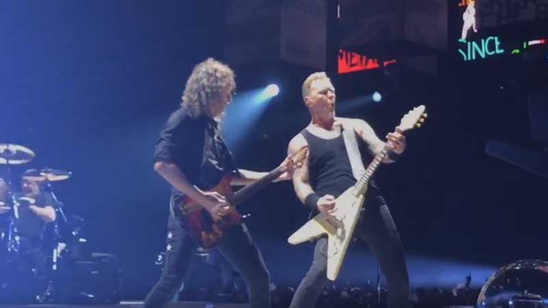 "Metallica toca ""Spit Out The Bone"" pela primeira vez ao vivo"