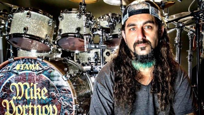 Mike Portnoy posta mensagem sobre possivel volta