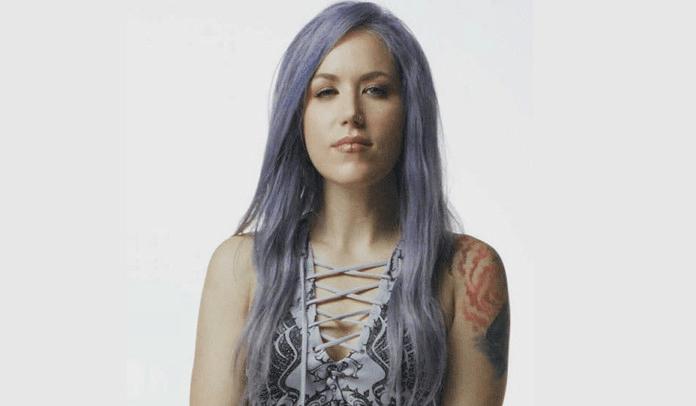 Alissa White-Gluz: Vídeo sobre machismo no Heavy Metal