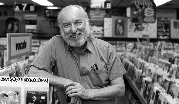 Russ Solomon, fundador da icônica Tower Records, morre aos 92 anos