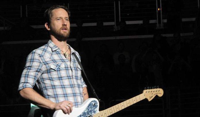 Chris Shiflett - Foo Fighters
