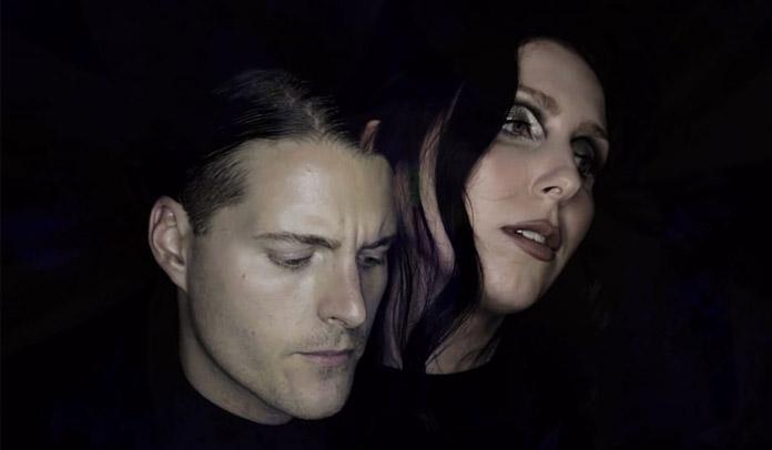 "Deafheaven e Chelsea Wolfe lançam clipe sombrio para ""Night People"""