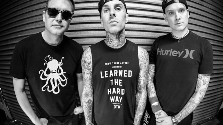 Massacre em frenta ao hotel do Blink-182 no Texas deixa dezenas mortos