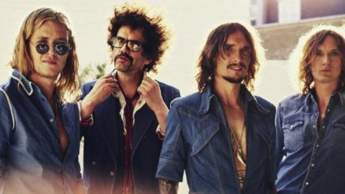 "The Darkness lança ""Rock And Roll Deserves To Die"""