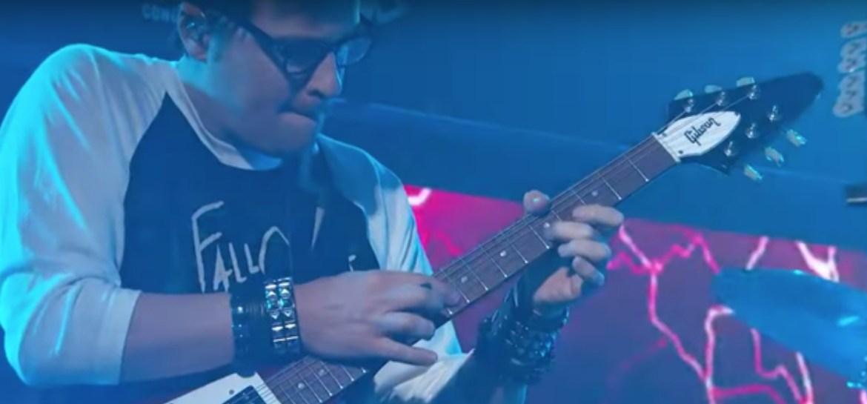 Weezer apresenta single com inspirações no metal