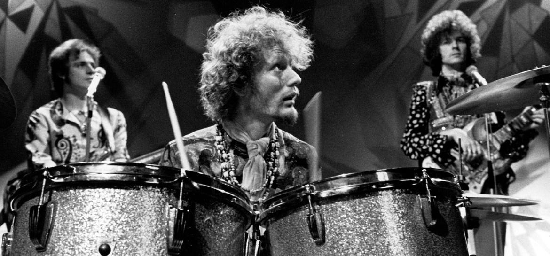 O lendário baterista Ginger Baker morreu aos 80 anos de idade