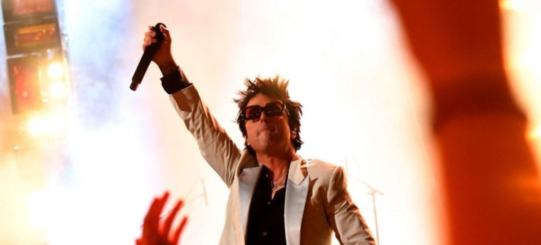 "Green Day toca ""Basket Case"" no AMA"