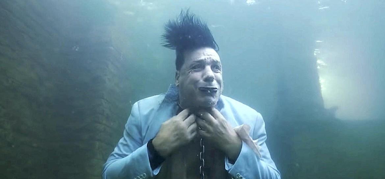 Lindemann lança clipe chocante