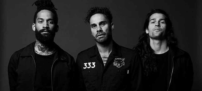 "Fever 333 lança poderoso novo single ""Vandals"""