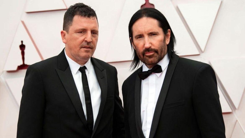 Atticus Ross e Trent Reznor na cerimônia do Oscar 2021