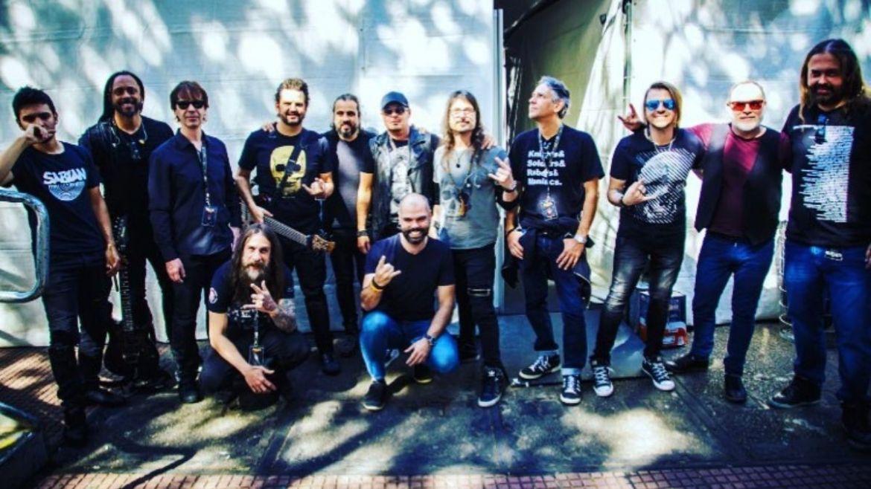Colegas de banda e amigos de Andre Matos com o prefeito de São Paulo Bruno Covas em celebração ao Dia Municipal do Metal
