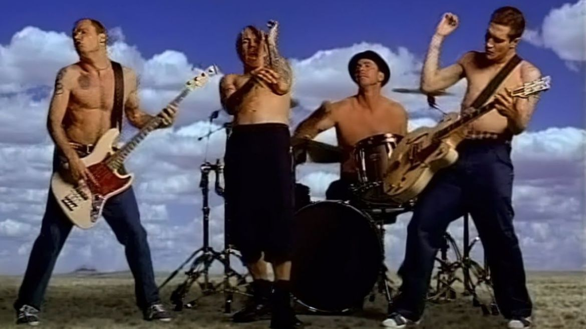 """Red Hot Chili Peppers no clipe de """"Californication"""""""