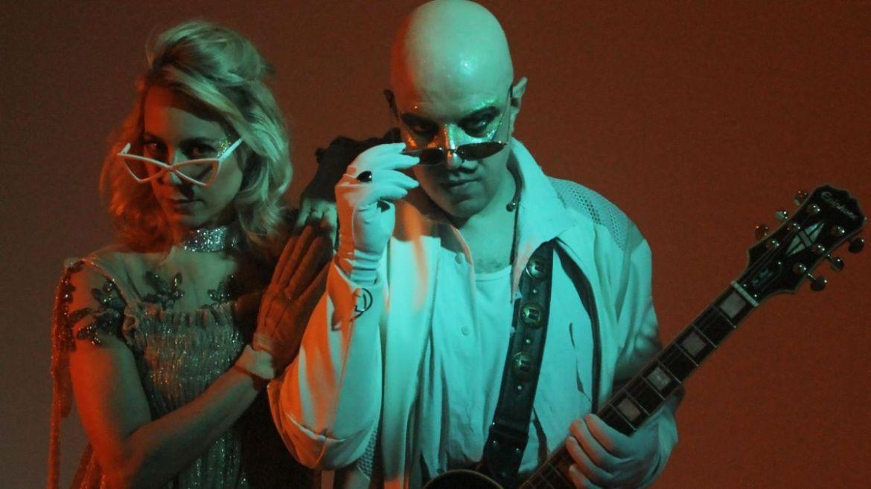 Johnny Monster e Bianca Jhordão