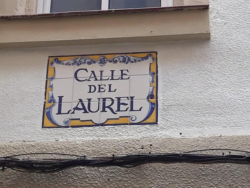 Placa calle laurel