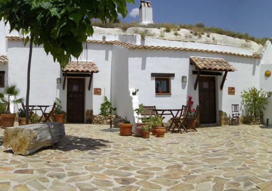 """Slapen in """"authentieke"""" grotwoningen: eerste """"Belgisch"""" grotwoningen in Granada"""