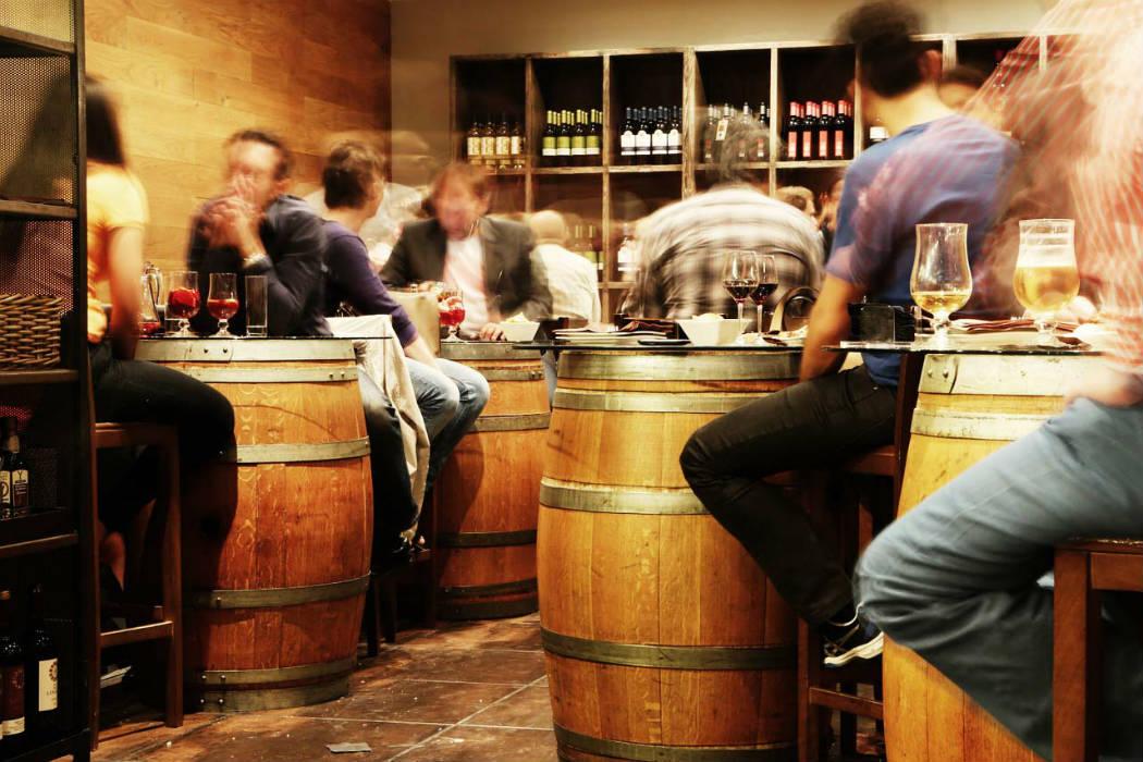 Hulpmiddel Bij Het Bezoek Van Een Spaanse Bar Zonder Internationale Drankkaart