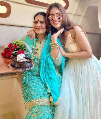 Neha-Malik-With-Her-Mother