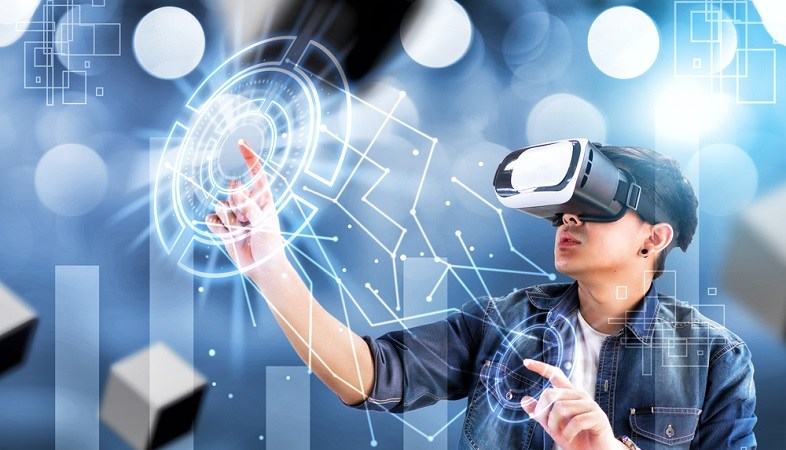 Virtual reality, an industry to exploit
