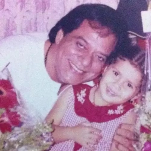 Muskkaan Jaferi with Father