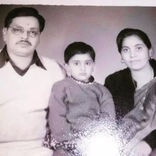 Shruti Anand Parents