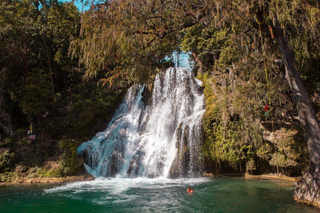 Wasserfall Las Cascadas de Tamasopo