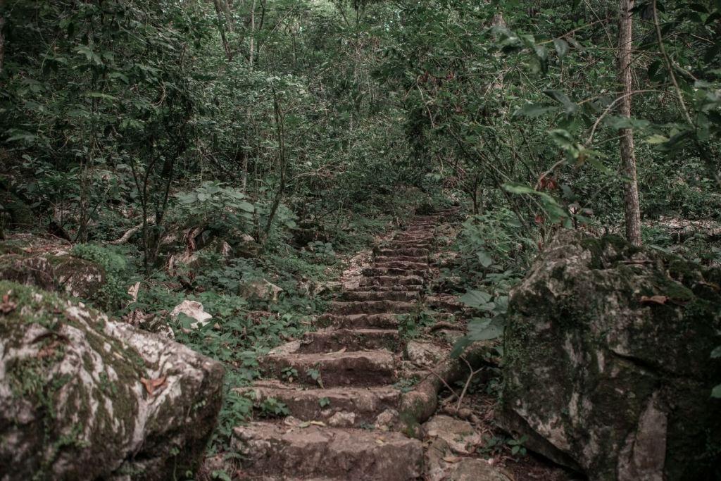 Wanderweg zur Huahua Höhle