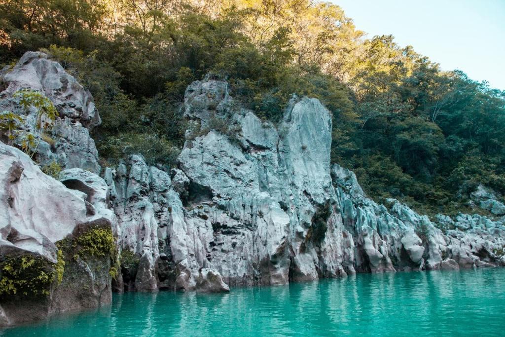 Wasserfall Cascada de Tamul Kalkstein