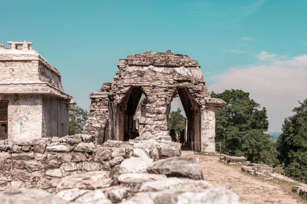 Maya-Stadt Durchgang
