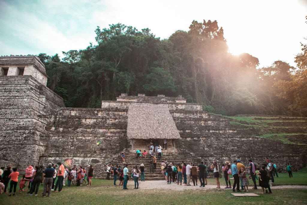 begehbarer Maya-Tempel