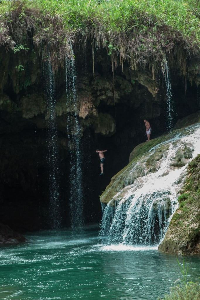 Wasserfallspringen