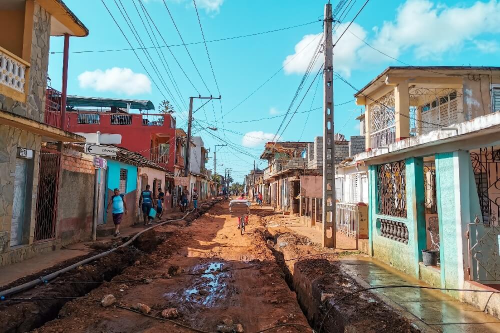 Trinidad in Kuba schlechte Straße