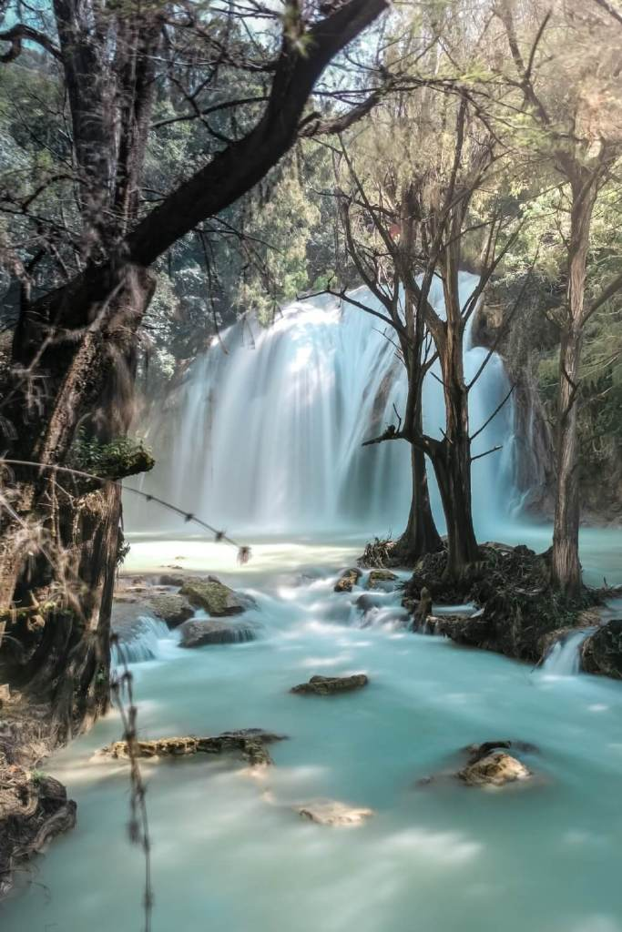 wunderschöner Wasserfall Cascada El Chiflon