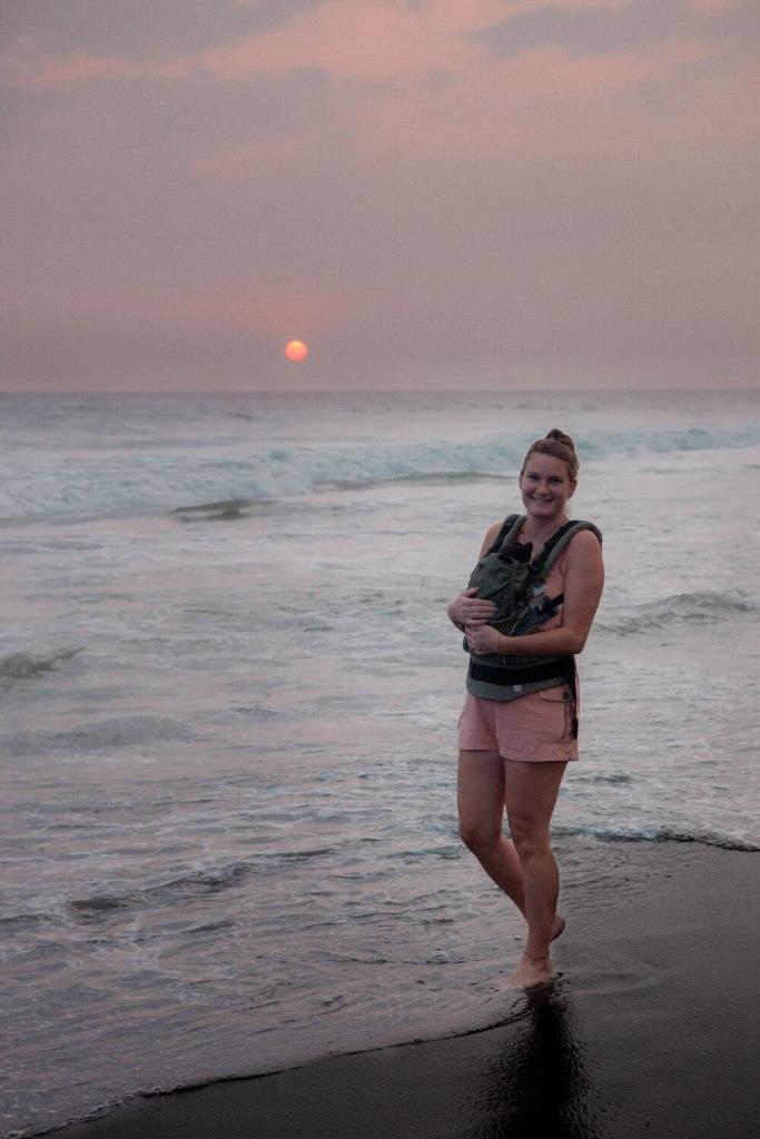 Erster Trip mit den Zwillingen Sonnenuntergang mit Baby