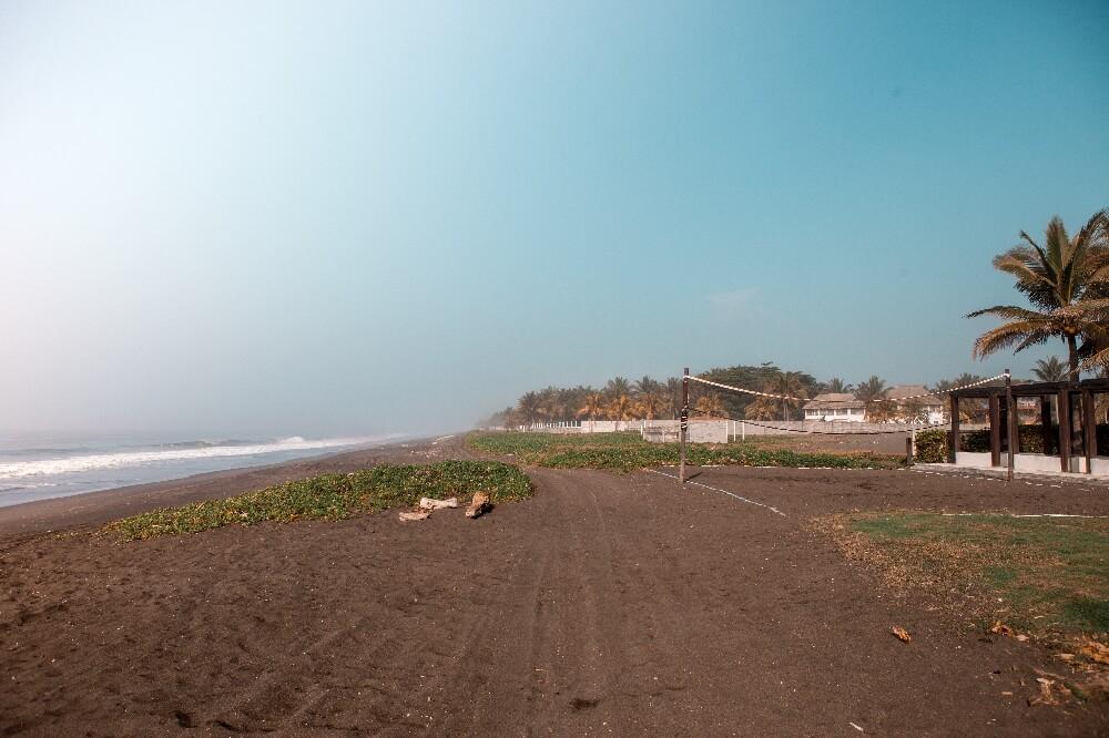 Erster Trip mit den Zwillingen Strand