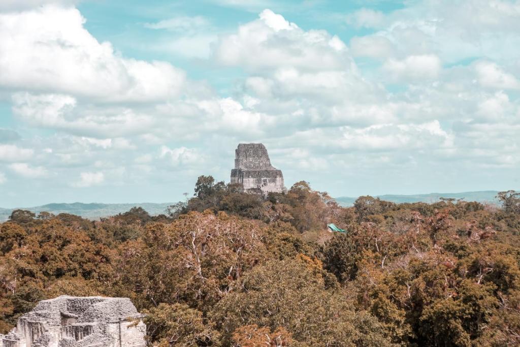 Regenzeit in Guatemala Tikal