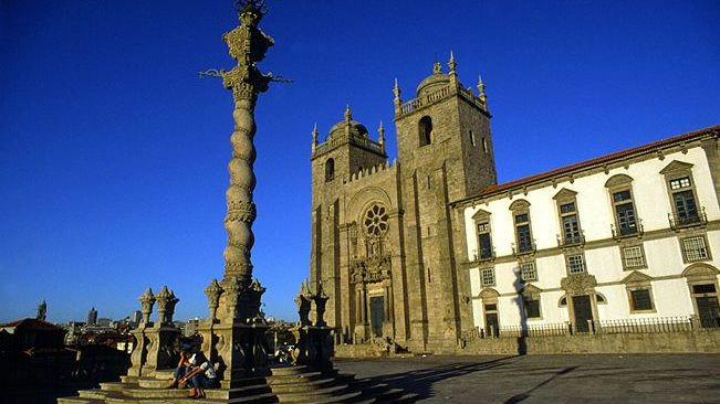 Visit Porto. The Se (Cathedral) do Porto.