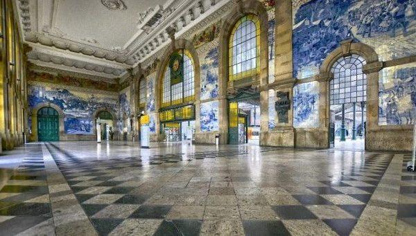 Visit Porto. Sao Bento Railway Station.
