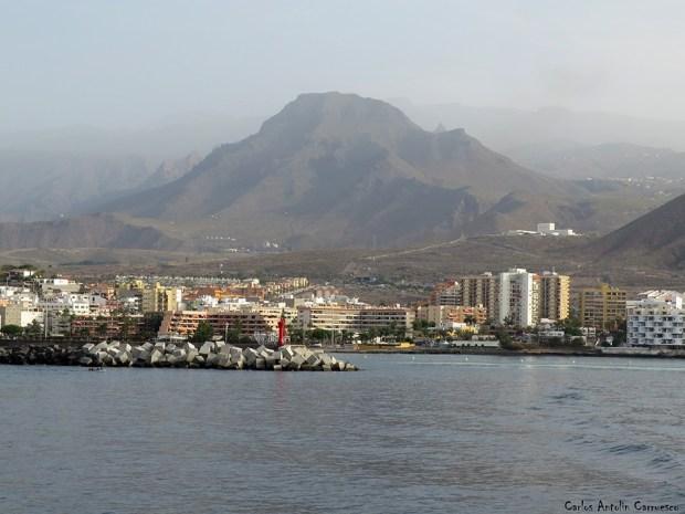 Puerto de Los Cristianos - Tenerife - roque del conde