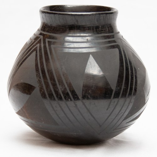 Elisa Ortiz Black Jar Pottery