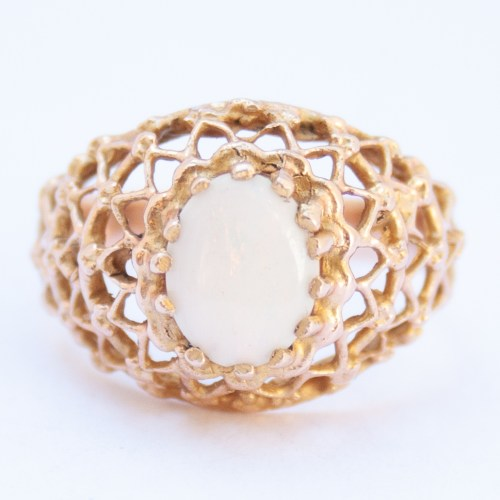 18K Gold 1960's Vintage White Opal Ring