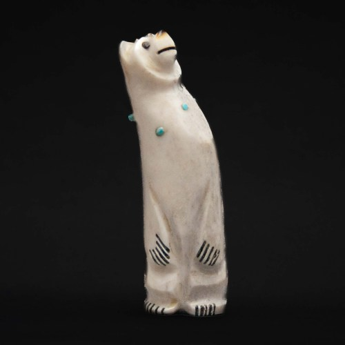 Claudia Peiña Zuni Bear Carving