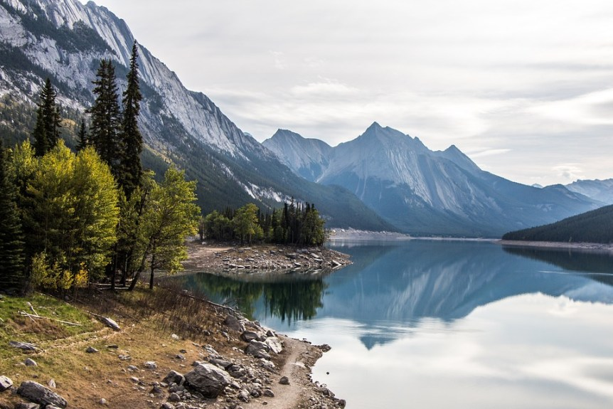 Medicine Lake, Jasper, Alberta, 6 Top Tips to Make the Most of the Canadian Rockies