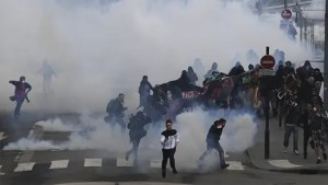 Tear gas attack against civilians on street