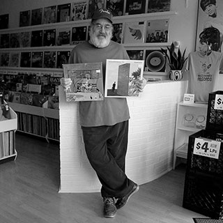 010-record-store-people-o320px