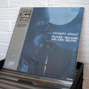 44-jazz-vinyl-o800px