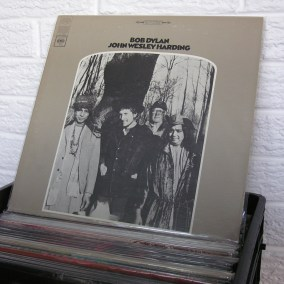 vintage-vinyl-dig-05