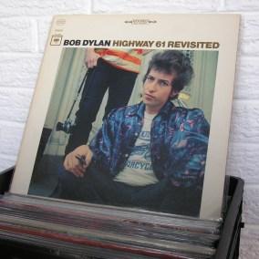 vintage-vinyl-dig-11
