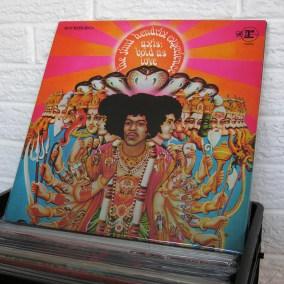 vintage-vinyl-dig-32