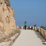 La ruta al faro del Albir discurre en todo momento por un cómodo camino asfaltado